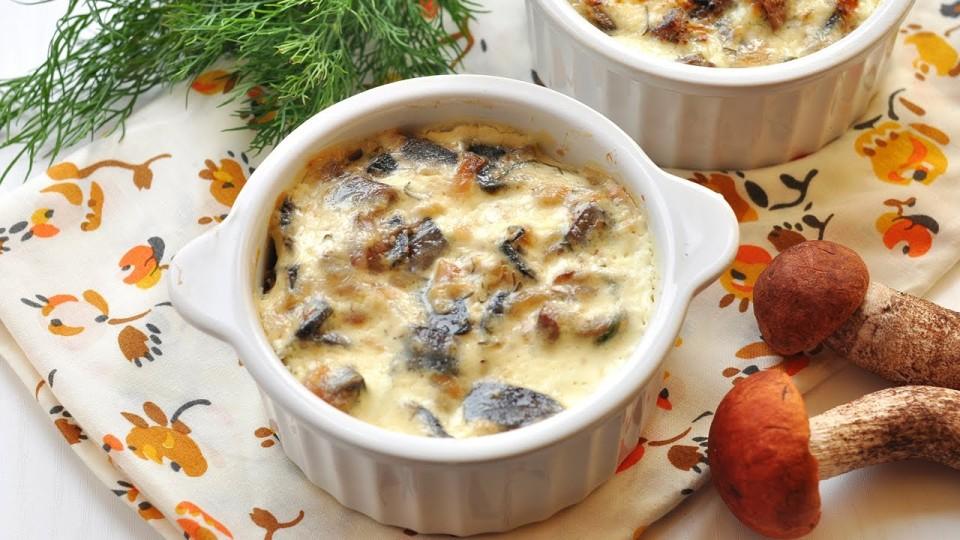 Грибы в сметане (грибной жюльен) рецепт приготовления